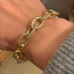 Stella and dot gold chain bracelet.